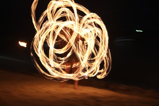 Belmond Napasai : Fire dance at the Sea Food Restaurant