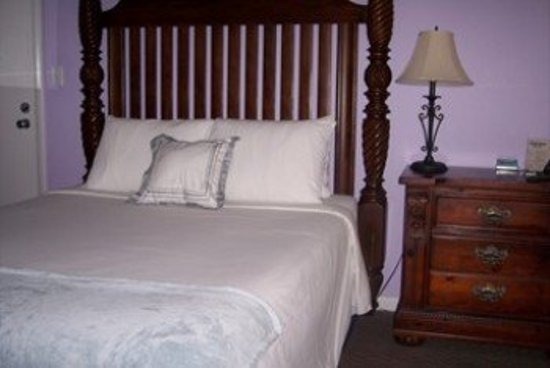 Cheston House Gay Resort: Guest Room