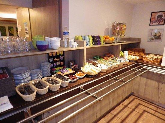 Hotel balladins Trappes: Breakfast