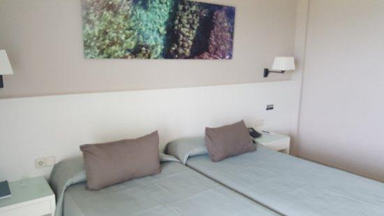 Hotel Calipolis: King size bed