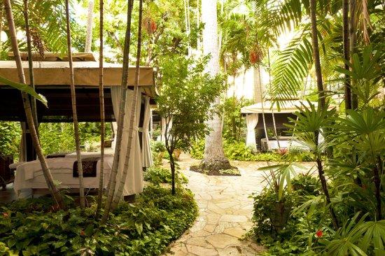 The Royal Hawaiian, a Luxury Collection Resort: Abhasa Spa - Outdoor Cabanas