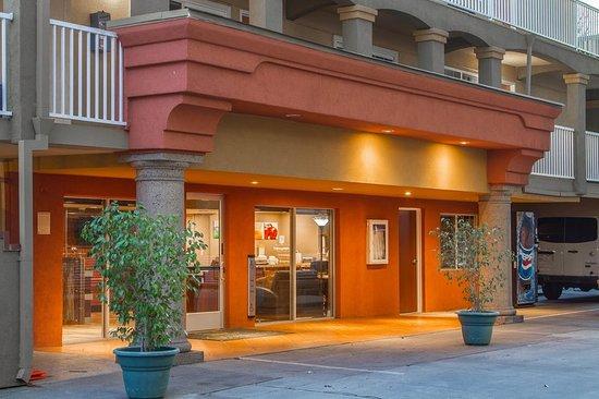 Quality Inn Downtown: Exterior