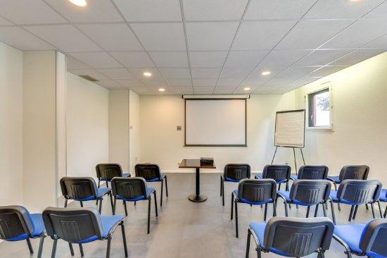 Bobigny, France: Meeting Room