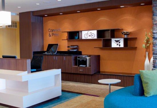 Urbandale, IA: Business Center