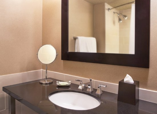 Irving, TX: King Bathroom