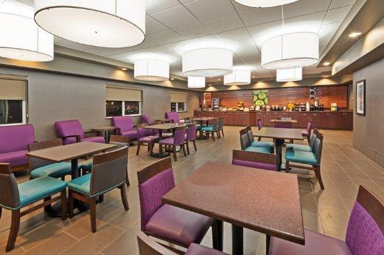 Meridian, ID: Breakfast Area