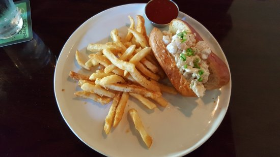 Maplewood, MO: The lobster roll with fries