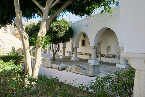 Panayia Ekatondapiliani Cathedral: photo8.jpg