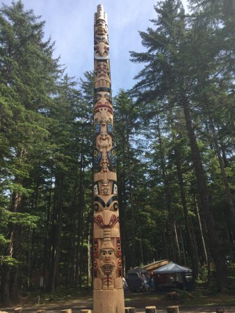 Haida Gwaii (Queen Charlotte Islands), Canada: Hiellen Pole
