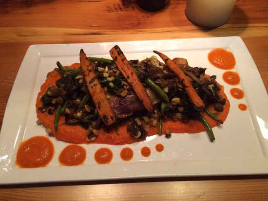 Spur Restaurant & Bar: carrot puree, topped with green beans and roasted veggies