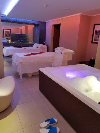 Sofitel Legend Old Cataract Aswan: Couple Massage Room with Jacuzzi