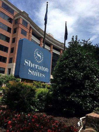 Sheraton Suites Old Town Alexandria Photo
