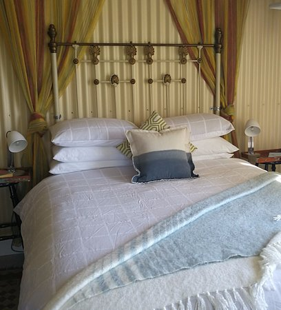 Bega, Australië: Romantic Bed