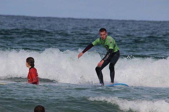 The Escape Surf School: group surf