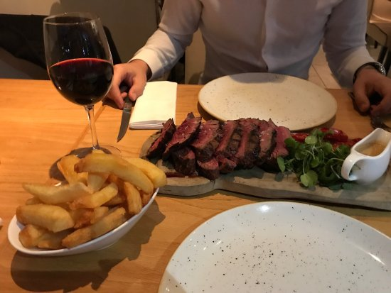 Ascot, UK: CHATEAUBRIAND (for 2) perfectly cooked to our taste!!