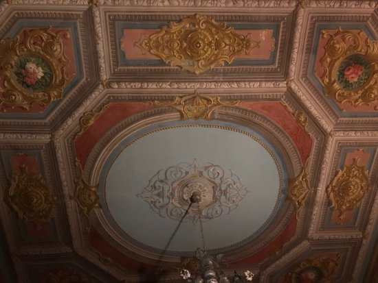 Hotel Palazzo Abadessa: beautifully decorated ceilings all over the place