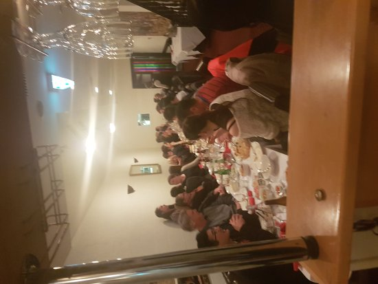Brighton, Australia: Last Friday 45ppl party .....