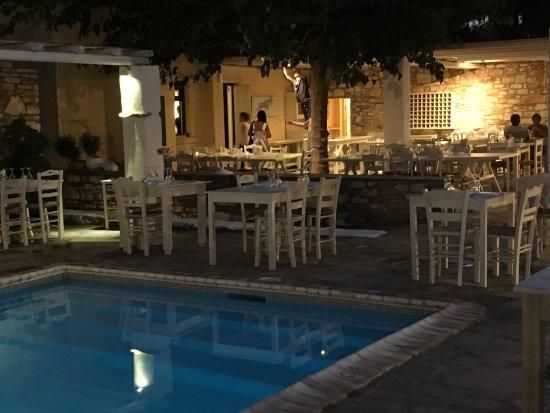 安納希納村飯店照片