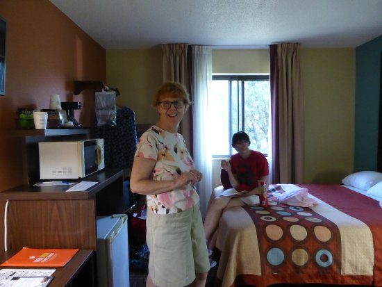 Salem, IL: Our room