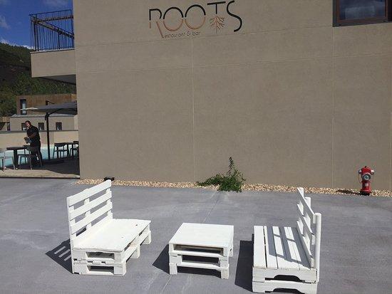 Oliveira do Hospital, โปรตุเกส: Mobiliário de paletes???