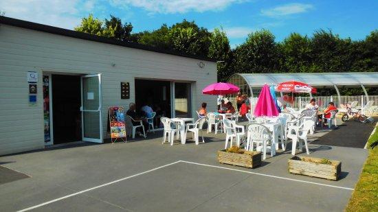 Matignon, France: accueil/bar