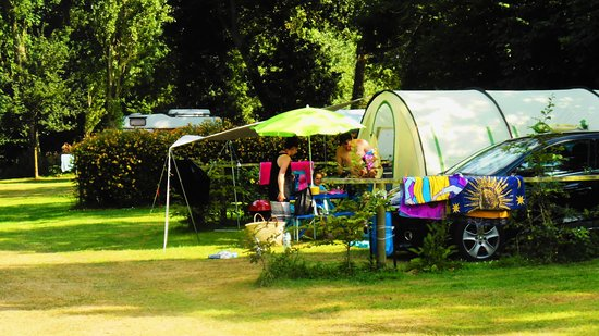 Matignon, France : emplacements camping