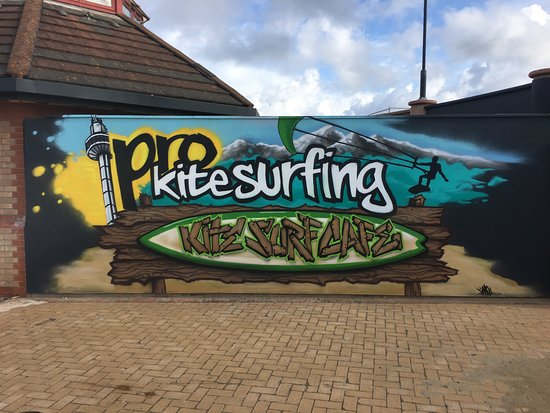 Denbighshire, UK: Pro Kitesurfing School