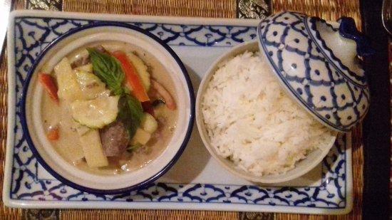 Villeurbanne, France: Boeuf au curry vert