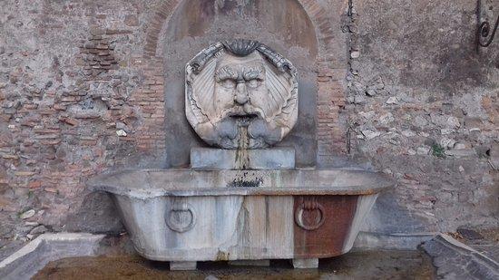 Basilica di Santa Sabina: Alrededores