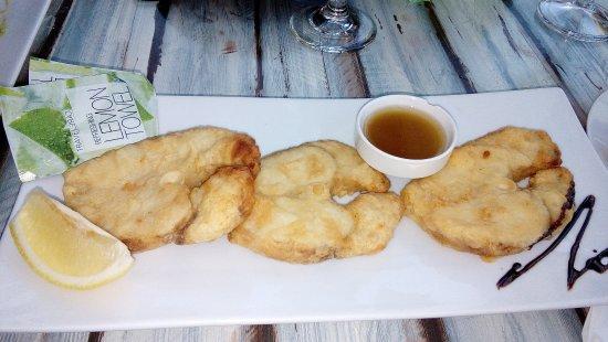 Lozenets, Bulgarije: 'Breaded' Shark withrestaurant's own fish sauce