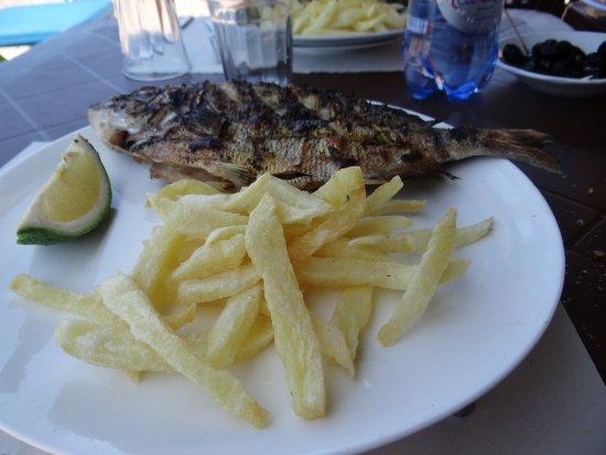 Legzira Beach: restaurant Chez Ali