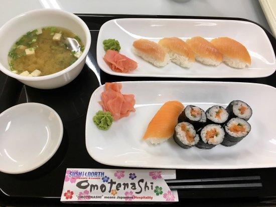Sushi North: 北極イワナのにぎりとサーモンの細巻をチョイス