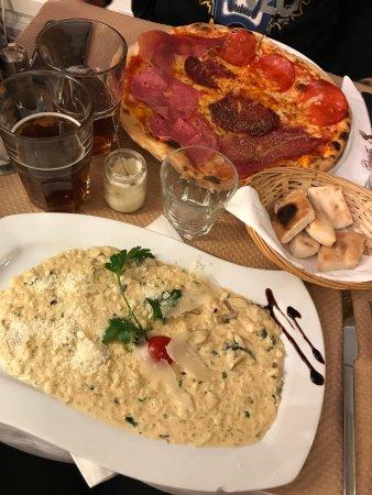 restaurant gusto italia dans paris avec cuisine italienne. Black Bedroom Furniture Sets. Home Design Ideas