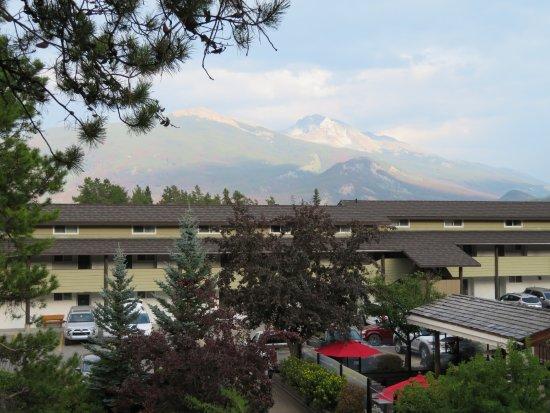 Best Western Jasper Inn & Suites: Vom Balkon unseres Zimmers aufgenommen