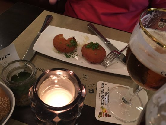 Bridge: Traditional croquettes filled with cheese