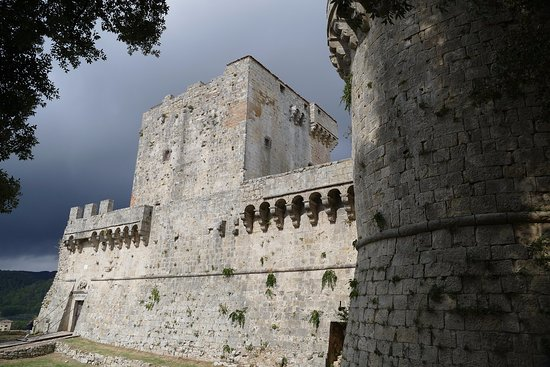 Parco delle Piscine: Sarteano zamek
