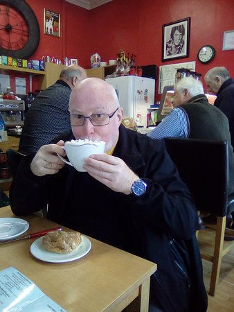 The Coffee Station: great wee cafe, friendly atmosphere with lovely coffee and snacks.