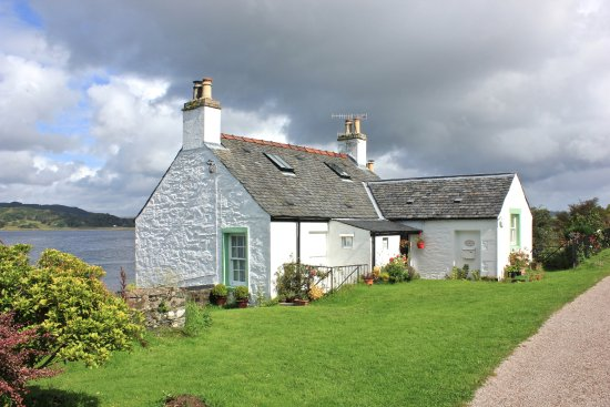 Argyll and Bute, UK: the wee cottage Crinan