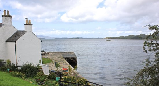 Argyll e Bute, UK: view of the bay from the towpath