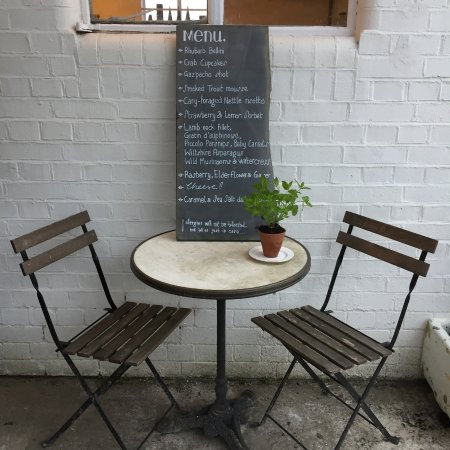 Castle Cary, UK: pop-up dinner