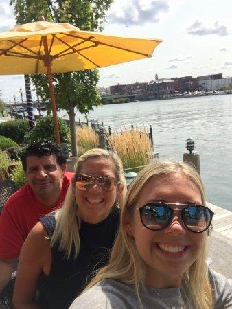Oswego, NY: Alex's on the Water