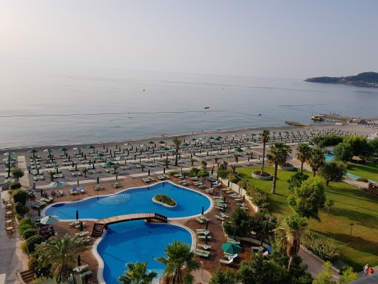 Esperos Palace Resort : 20170910_082657_large.jpg