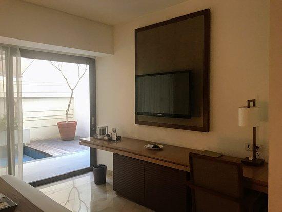 Tv Premier Pool Room Magani Hotel And Spa 雷吉安馬嘉尼溫泉飯店的