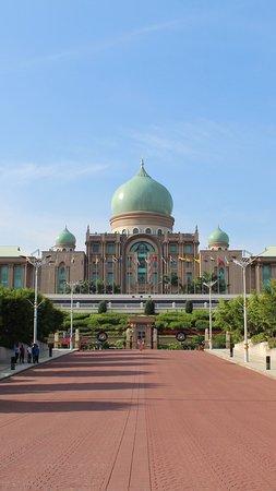Putrajaya, Malaysia: IMG_20170906_171522_162_large.jpg