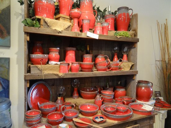 Hill Country Pottery: Just love the red pottery