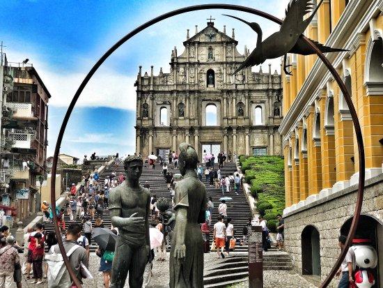 Macau, China: Welcome to Travel