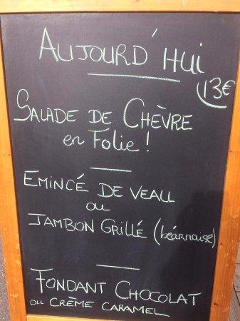 Chartres-de-Bretagne, Frankrike: Un menu du jour tous les midis