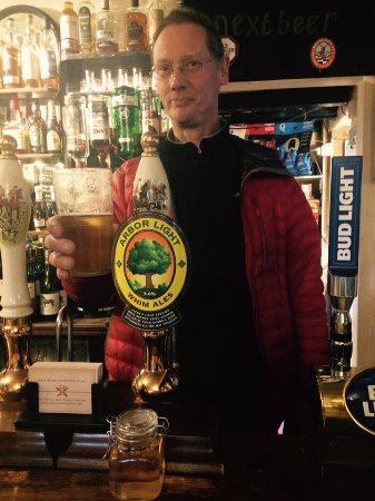 Wetton, UK: Joe the Brewer drinking his Arbour Light!