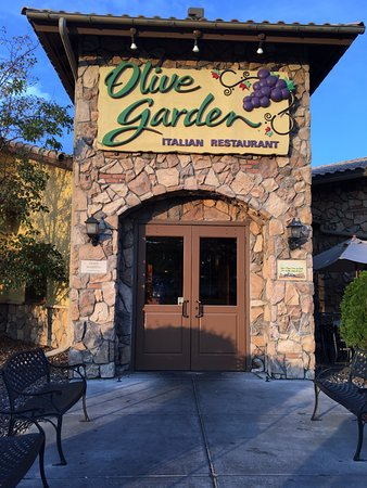 Olive Garden entrance, Maple Grove, MN. Ketan Deshpande