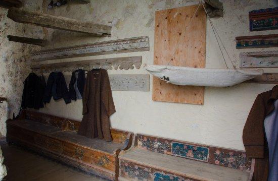 Cincsor, Rumunia: Inside the walls